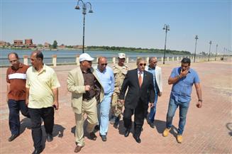 محافظ الإسماعيلية يتابع اللمسات الأخيرة لمشروع المحور المروري الجديد على بحيرة الصيادين