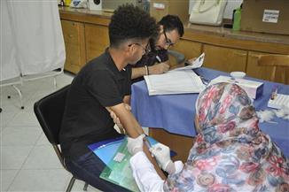 500 طالب وطالبة في اليوم الأول للكشف الطبي بجامعة قناة السويس | صور