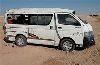 إصابة 14 شخصا في انقلاب ميكروباص بطريق العين السخنة