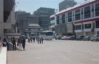 توافد الحافلات على نادي الزمالك لنقل جماهيره لاستاد برج العرب
