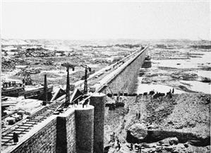 قناطر أسيوط حكاية للتاريخ.. رحلة عمل المصريين على النهر تصل لأكبر إنجازاتها بعد 115 عاما | صور