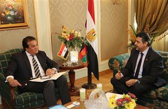 وزير التعليم العالي يبحث آليات تيسير الإجراءات على الطلاب الأفغانيين الدارسين بالجامعات المصرية