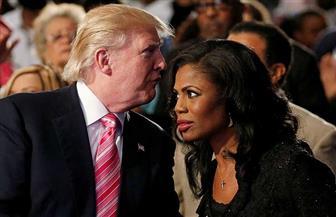 """ترامب يصف مستشارة سابقة في البيت الأبيض بأنها """"كلبة مسعورة"""""""