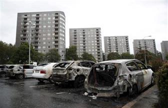 ملثمون يحرقون نحو 100 سيارة في  السويد