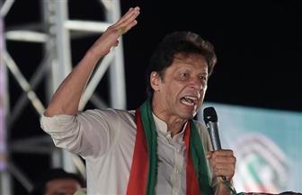 انتخاب لاعب الكريكت السابق عمران خان رئيسا للوزراء في باكستان