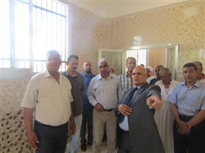 رئيس جامعة جنوب الوادي يفتتح مركز تربية ديدان الحرير بكلية الزراعة   صور