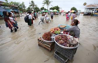 """""""باب الرزق"""" لا يغلقه """"الطوفان"""" فى ميانمار"""
