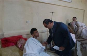 محافظ الفيوم يوزع العيديات على المرضى بالمستشفى العام