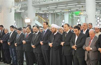 الرئيس السوري يصلي العيد في دمشق والخطيب يشيد بحكمته