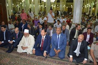 محافظ الغربية يؤدي صلاة العيد بالمسجد الأحمدي ويزور مؤسسات للرعاية الاجتماعية