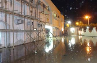 انفجار ماسورة مياه رئيسية يتسبب في غرق مستشفى كوم أمبو بأسوان|صور
