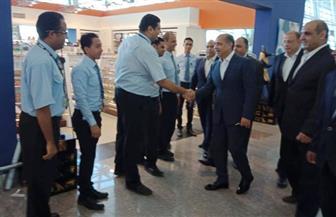 وزير الطيران المدني یتفقد مطار الغردقة الدولى لمتابعة سير العمل خلال العيد