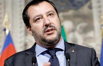 وزير داخلية إيطاليا: السماح للأطفال فقط بالنزول من سفينة المهاجرين في صقلية