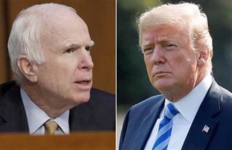ترامب وماكين.. معركة الملياردير والعسكري تنتهى بتغريدة عزاء فاترة وحرمان من الجنازة
