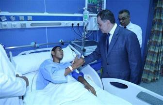 وزير الداخلية يزور مصابي الشرطة في حادث الطريق الساحلي بشمال سيناء| فيديو