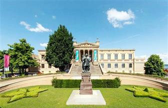 متحف الفن الحديث في زارلاند الألمانية يحتفي بميلاد وتاريخ الرسام سليفوجت
