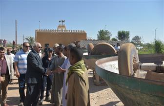 محافظ أسوان يتابع أعمال حملة تنفيذ 44 قرار إزالة لكسارات الذهب بوادي عبادي | صور
