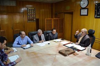 محافظ الإسماعيلية يناقش مقترحات تطوير وتعظيم الإيرادات والموارد المالية للمحافظة  صور