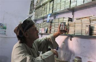كشك موسيقى العم عدلي.. أرشيف السيرة الهلالية وأغاني عودة الحجاج بالصعيد | فيديو