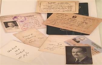 في ذكرى وفاته الـ12.. صورًا تنشر للمرة الأولى لنجيب محفوظ ووثائقه الشخصية