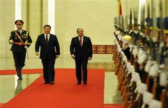 شي جين بينج يقيم مأدبة عشاء تكريما للرئيس السيسي