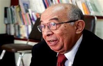 الرئيس السيسي يصدق على قرار علاج الكاتب حسين عبد الرازق على نفقة الدولة