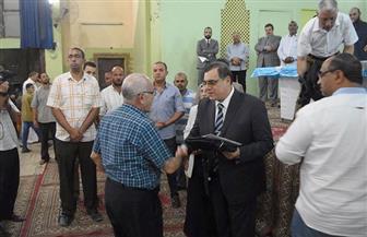 محافظ الفيوم يودع 357 حاجا وحاجة من حجاج الجمعيات الأهلية بالمحافظة  صور