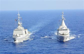 البحرية المصرية تنفذ تدريبات حرة عابرة مع فرنسا وإنجلترا في البحرين الأحمر والمتوسط | صور