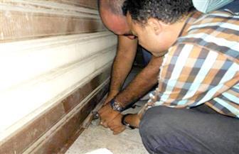 """استجابة لاستغاثة على """"فيسبوك"""".. تشميع عدد من المحلات بالإسكندرية لتهديدها حياة المواطنين"""