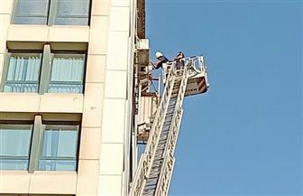 الحماية المدنية تنقذ عاملا تعلق بالدور التاسع بإحدى العمارات