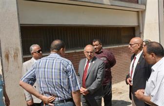 رئيس جامعة أسيوط يتفقد آثار حريق بمدخنة دار الضيافة| صور