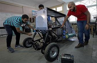 """كواليس تصنيع سيارة تعمل بضغط الهواء يكشفها طلاب هندسة حلوان لـ""""بوابة الأهرام""""  صور وفيديو"""