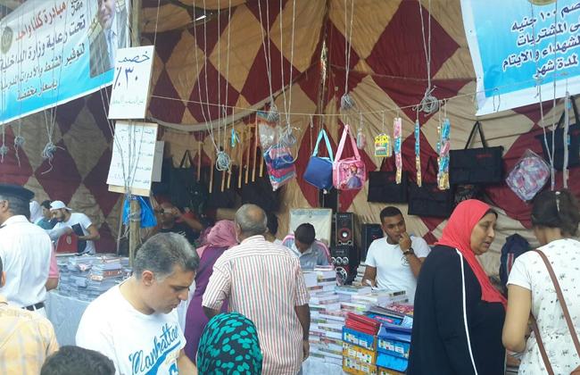 أمن الإسكندرية يفتتح منفذين لبيع المستلزمات المدرسية بأسعار مخفضة   صور وفيديو