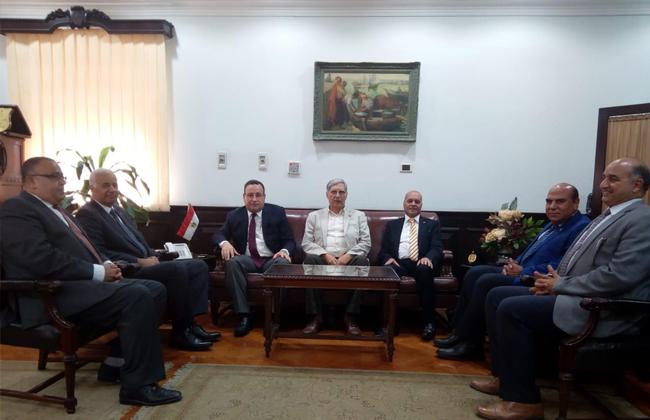 محافظ الإسكندرية الجديد يزور الجامعة
