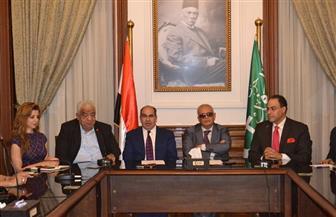 """رئيس """"الوفد"""" يجتمع بأعضاء اللجنة النوعية للإعلام بالحزب"""