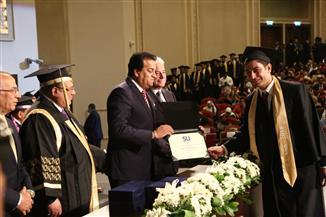 وزير التعليم العالي يشهد مراسم الحفل السنوي لدفعة جامعة سيناء | صور