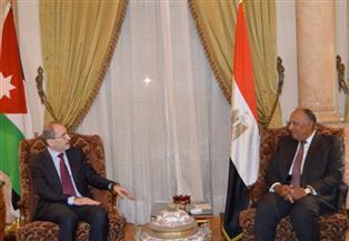 وزير الخارجية يناقش مع نظيره الأردني مستجدات القضية الفلسطينية وسبل دعمها | صور