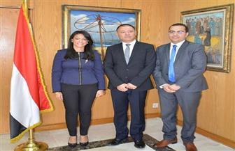 وزيرة السياحة تستقبل وفدًا صينيًا لمناقشة تنظيم رحلات مباشرة إلى مصر