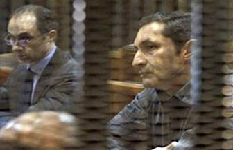 المحكمة تأمر بالقبض على علاء وجمال مبارك وحبسهما على ذمة قضية فساد مالي