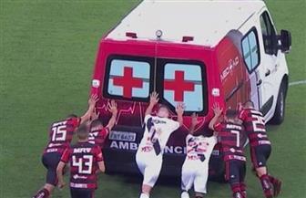لاعبون ينقذون سيارة إسعاف في مباراة بالدوري البرازيلي