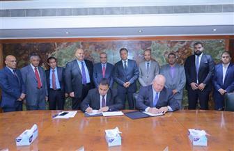 وزير النقل يشهد توقيع مذكرة تفاهم لشراء وصيانة جرارات قطارات | صور