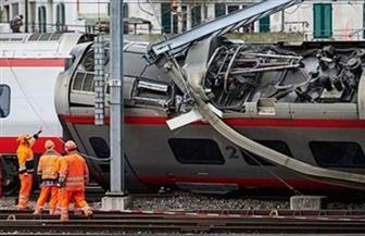 مصرع امرأة وإصابة 9 أشخاص في تصادم حافلة بقطار في النمسا