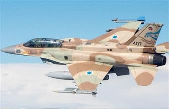 الطيران الحربي الإسرائيلي يغير على موقع عسكري للفصائل الفلسطينية في غزة