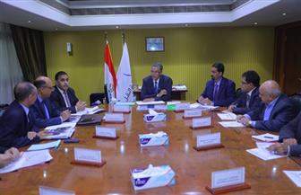 وزير النقل يعقد اجتماعا لمتابعة مشروعات كهربة إشارات السكك الحديدية