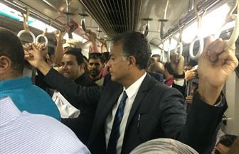 وزير النقل في جولة تفقدية بمحطات مترو الأنفاق | صور