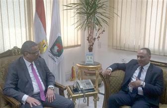 رئيس أكاديمية البحث العلمي يتابع مشروع المعمل المصري الصيني للطاقة الشمسية بسوهاج | صور