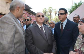 محافظ القاهرة: تأجيل إزالة عقار بمصر القديمة حفاظا على طلاب مدرسة مجاورة | صور