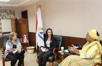 رئيسة القومي للمرأة تبحث سبل التعاون مع اللجنة الإفريقية لحقوق الإنسان