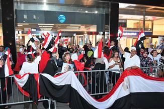 وصول الرئيس السيسي مقر إقامته في نيويورك وسط استقبال حافل من الجالية المصرية