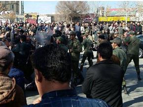 """من ارتكب هجوم الأهواز في إيران؟!.. """"داعش"""" يصر على الكذب وجماعة معارضة تعلن مسئوليتها"""